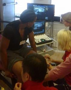 Polven tutkimista Sports medicine ultrasound groupin järjestämällä kurssilla